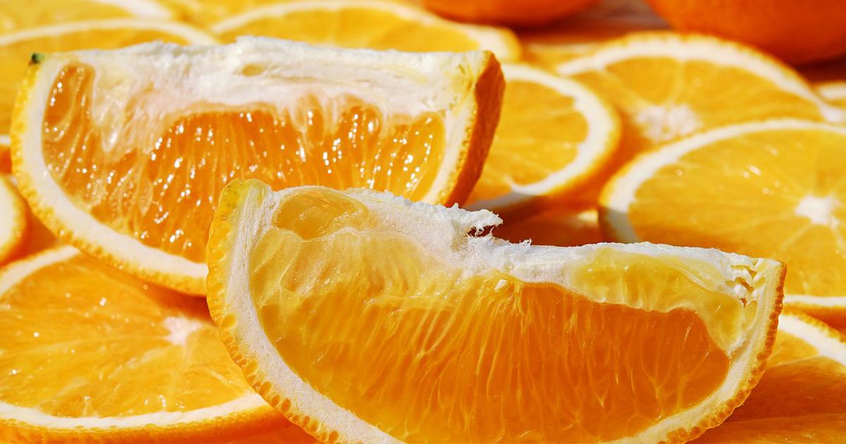 Naturbelassene Orangen, frisch von der Insel!